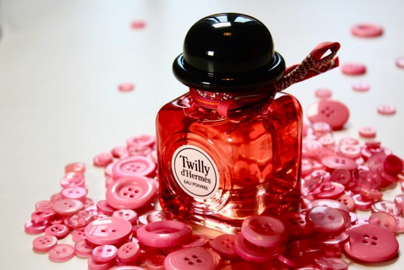 Twilly d'Hermès, para la mujer joven, independiente, extrovertida y segura - twilly-dhermes-para-la-mujer-joven-independiente-extrovertida-y-segura-2