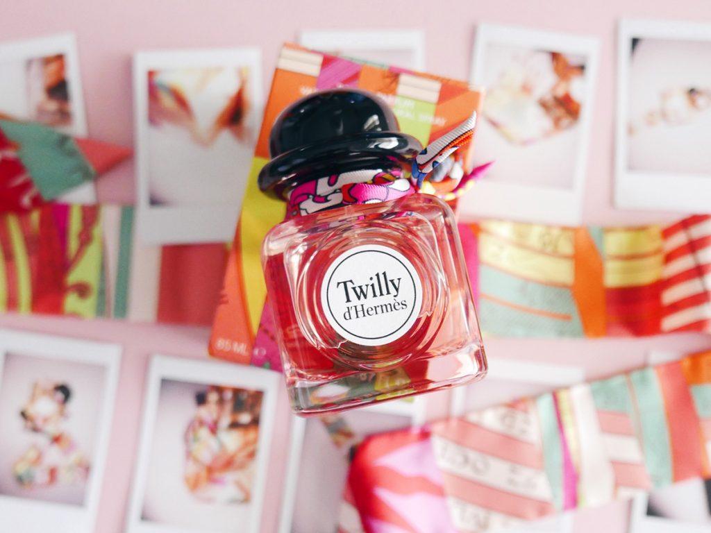 Twilly d'Hermès, para la mujer joven, independiente, extrovertida y segura - twilly-dhermes-para-la-mujer-joven-independiente-extrovertida-y-segura1