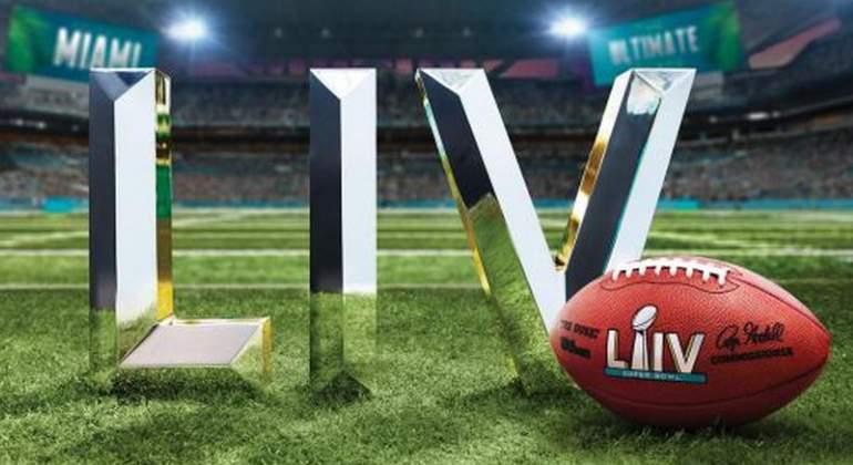 The Weeknd queda confirmado como el cantante estrella del halftime show del Super Bowl LV - the-weeknd-queda-confirmado-como-el-cantante-estrella-del-super-bowl-liv-the-weeknd-super-bowl-liv-google-amazon-super-bowl-liv-the-weeknd-google-amazon-bella-hadidi-futbol-americano-super-bowl-liv-3