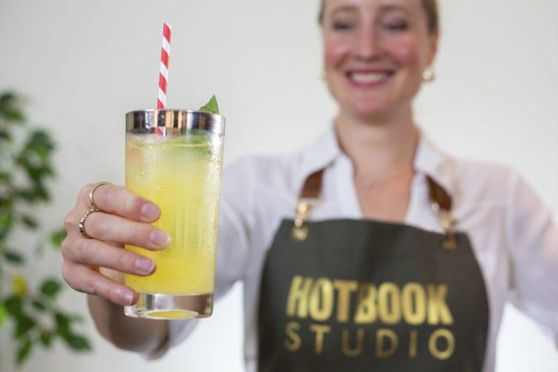 Komo Atelier se une a HOTBOOK Studio para presentarte tres studios de coctelería como nunca los has visto - 9c1a9436r