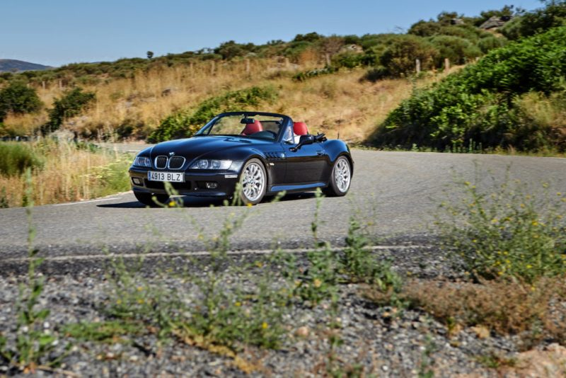 BMW celebra el 25º aniversario del icónico modelo de James Bond, el BMW Z3 - bmw-celebra-el-25-aniversario-del-iconico-modelo-de-james-bond-bmw-z3-google-amazon-bmw-google-james-bond-z3-aniversario-bmw-google-automovil-coche-deportivo-1