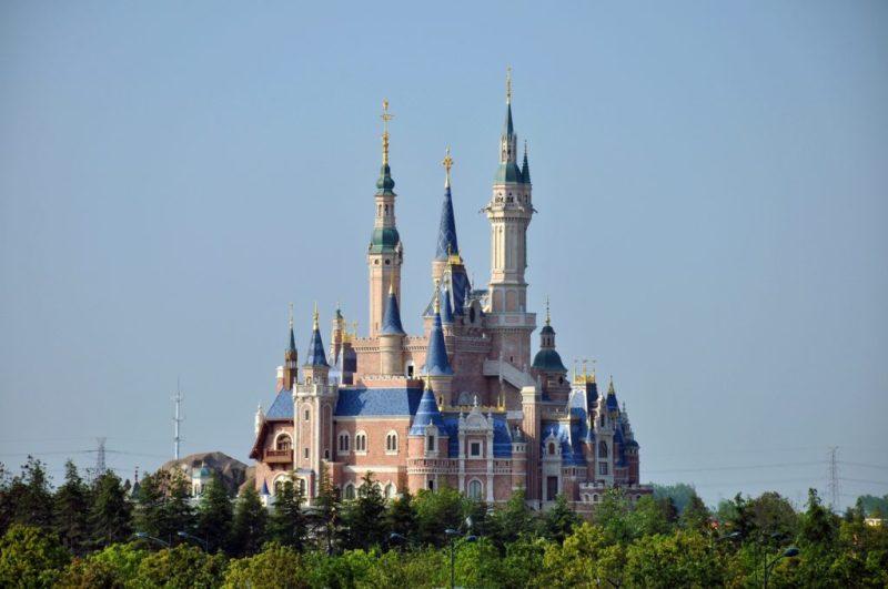 15 datos que probablemente no conocías acerca de los castillos de Disney - datos-que-probablemente-no-conocias-acerca-de-los-castillos-de-disney-alrededor-del-mundo-disney-castillos-disney-castles-cinderella-tokyo-shanghai-paris-google-amazon-viajes-navidad-google-disn-11