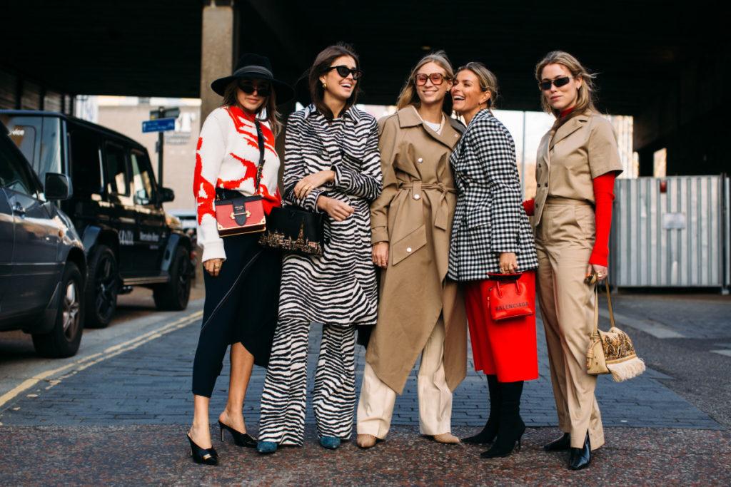 Let's talk fashion! Cuentas de Instagram para los amantes de la moda - Portada Let's tal fashion Cuentas de Instagram para todos los amantes de la moda google moda fashion moda Instagram tiktok google amazon google tezza google cuentas de Instagram moda fashion google amazon foto fashion Instagram