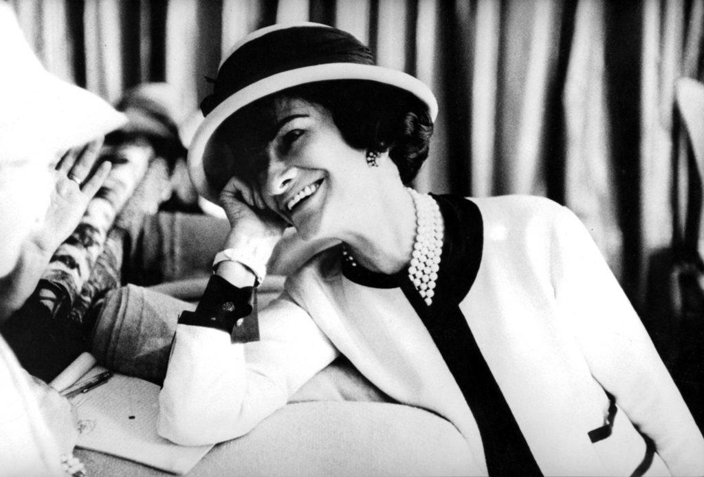 Powerful women in business. 10 mujeres que cambiaron el mundo de los negocios - coco-chanel-powerful-women-in-business-negocios-exitosos-creados-por-mujeres-que-inspiran-dia-internacional-de-la-mujer