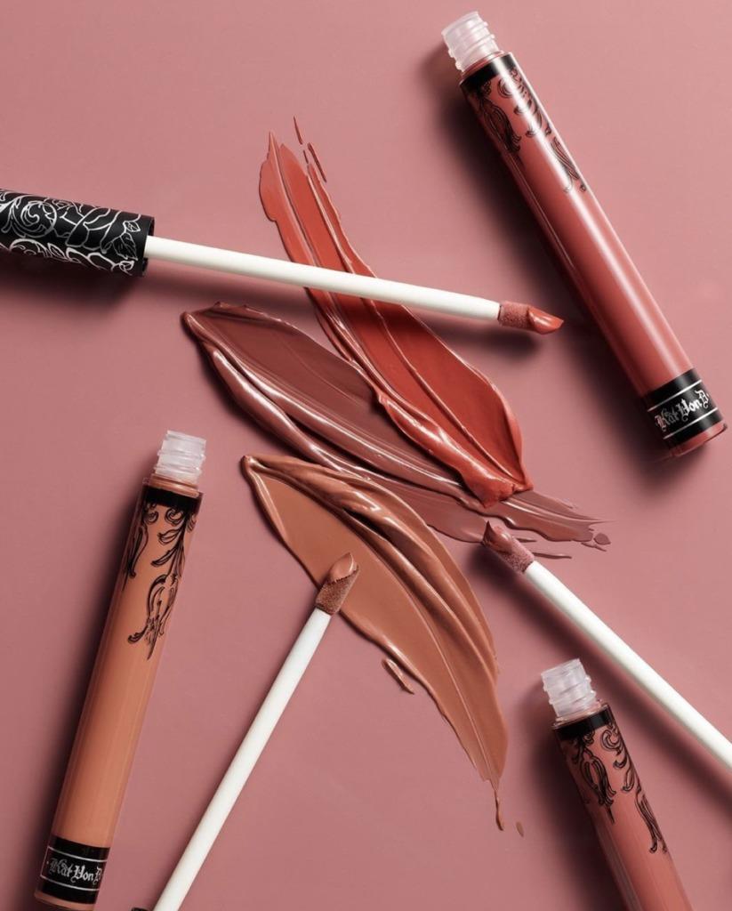 8 lipsticks para evitar retoques y dar un efecto más hot a tus labios - everlasting-liquid-lipstick-kat-von-d