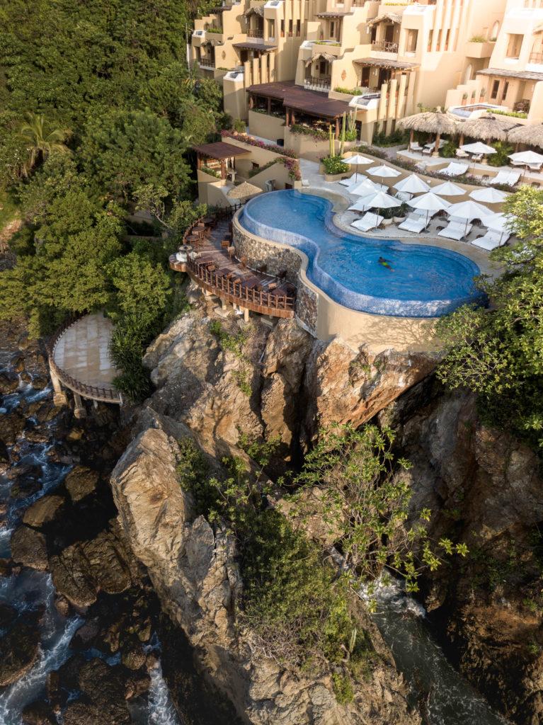 Un santuario secreto que todos deberían disfrutar: explora Cala de Mar - un-santuario-secreto-que-todos-deberian-disfrutar-cala-de-mar-ixtapa-viajes-mexico-wandavision-capitulo-9-2