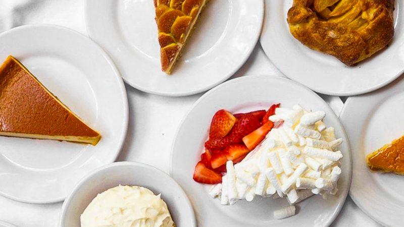 Los restaurantes con los mejores postres de la CDMX - contramar-merengue-y-tarta-de-higos-los-restaurantes-con-los-mejores-postres-de-la-cdmx