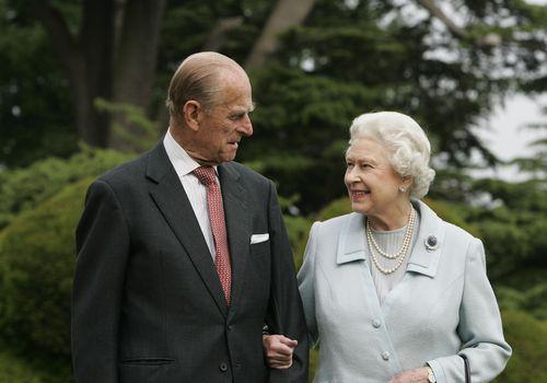En memoria del príncipe Philip, duque de Edimburgo y compañero de la reina Isabel II - en-memoria-del-principe-philip-duque-de-edimburgo-y-el-fiel-compancc83ero-de-la-reina-isabel-ii-prince-philip-queen-elizabeth-ii-prince-philip-queen-elizabeth-duque-of-edinburg-queens-husband-10