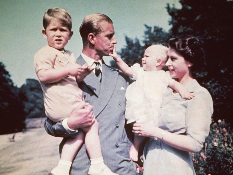 En memoria del príncipe Philip, duque de Edimburgo y compañero de la reina Isabel II - en-memoria-del-principe-philip-duque-de-edimburgo-y-el-fiel-compancc83ero-de-la-reina-isabel-ii-prince-philip-queen-elizabeth-ii-prince-philip-queen-elizabeth-duque-of-edinburg-queens-husband-6