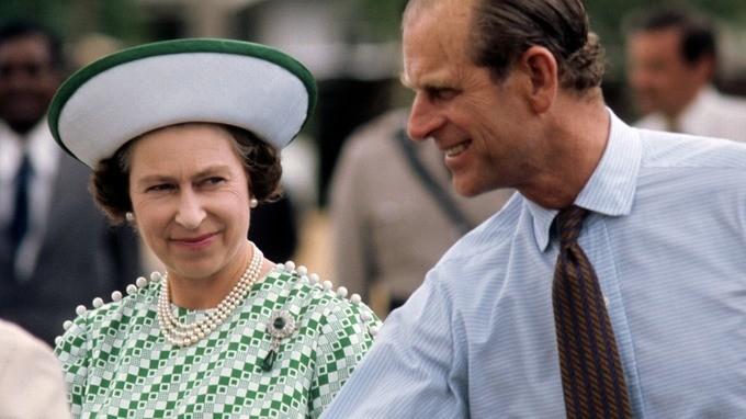 En memoria del príncipe Philip, duque de Edimburgo y compañero de la reina Isabel II - en-memoria-del-principe-philip-duque-de-edimburgo-y-el-fiel-compancc83ero-de-la-reina-isabel-ii-prince-philip-queen-elizabeth-ii-prince-philip-queen-elizabeth-duque-of-edinburg-queens-husband-8