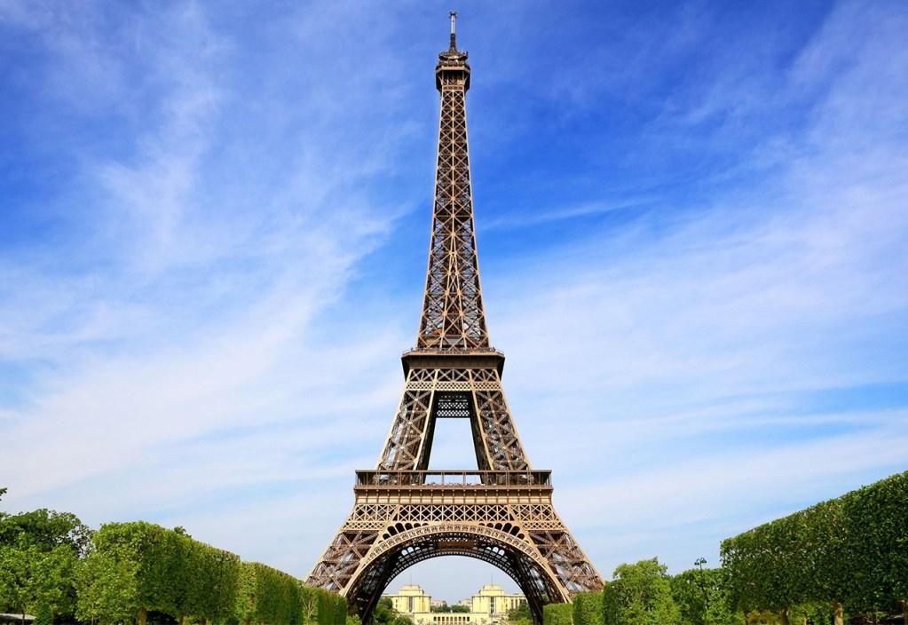 126 aniversario de la Torre Eiffel