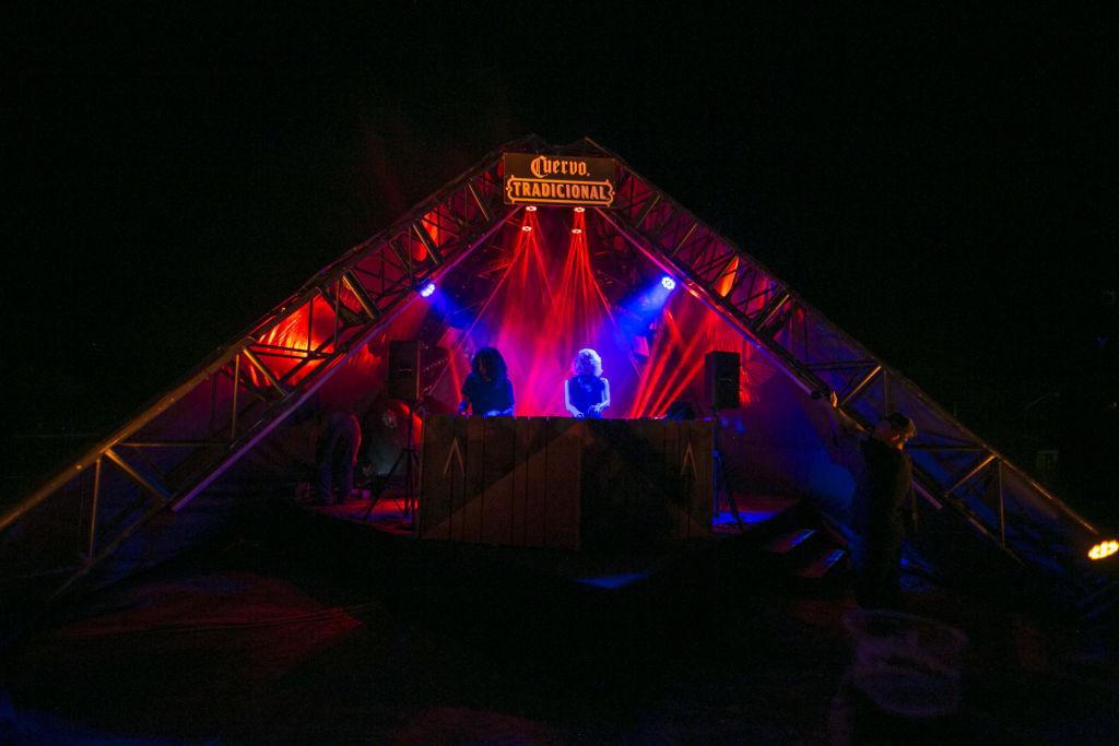 Tequila Cuervo Tradicional presenta Akamba