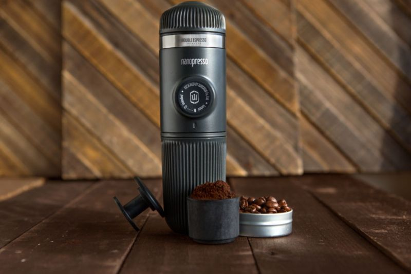 Smart traveling: gadgets que necesitas para tu próximo viaje - wacaco-nanoespresso-6-travel-essential