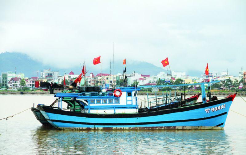 Vietnam: Hoi An y las montañas de mármol - danang-barco-lago