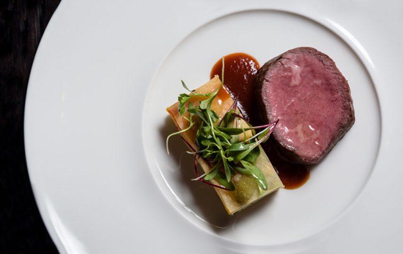 Luigi Taglienti y su cocina de la liguria - portada-comida-carne-salsa-gourmet-chef