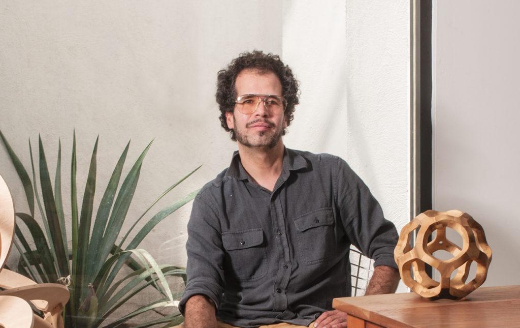 Pedro Cerisola y su estudio de diseño