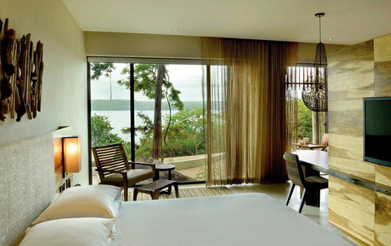 Andaz Costa Rica Resort, hotelería de lujo en la Península Papagayo - andaz-costa-rica-resort-cuarto-vista-naturaleza-cama