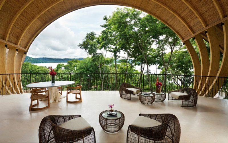 Andaz Costa Rica Resort, hotelería de lujo en la Península Papagayo - andaz-papagayo-arco-vista-decoracion-natural