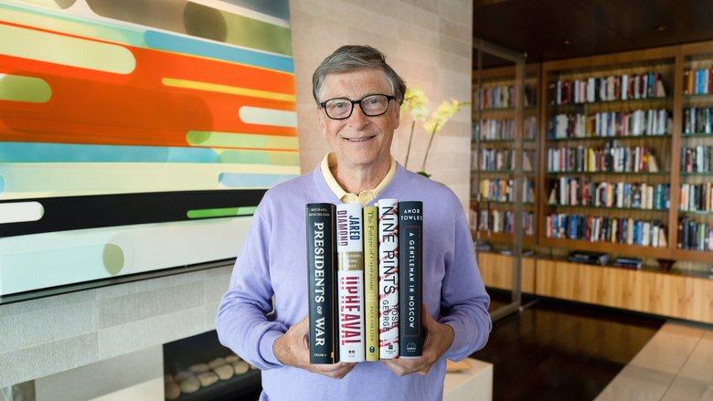 Los 5 libros que debes leer este verano según Bill Gates