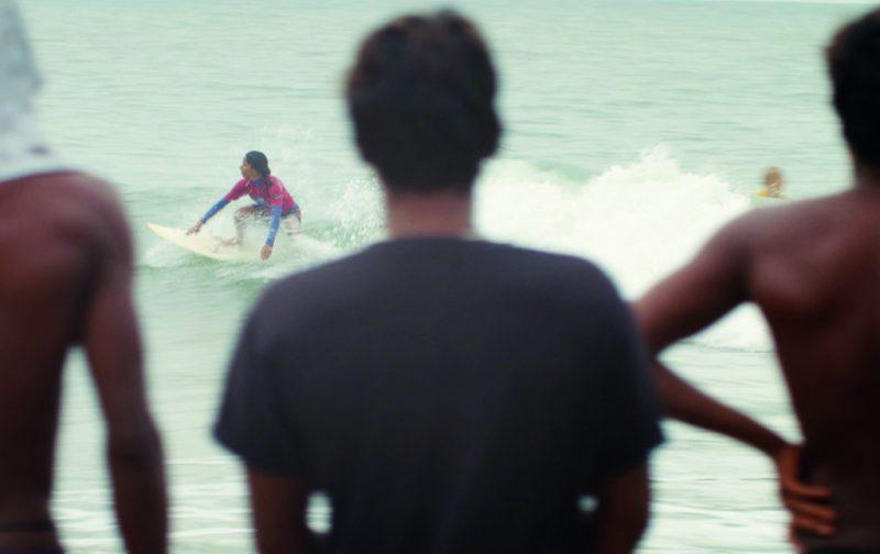 Chicks on Boards, el surf como movimiento de liberación - chicks-on-boards-4