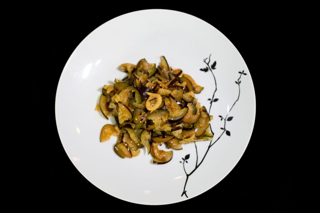 Berenjena a la Kumoto: prepara tres exquisitos platillos de la mano del chef de Tori Tori en HOTBOOK Studio