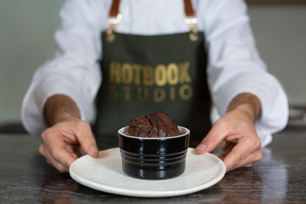Lleva tu comida casera al siguiente nivel de la mano del chef de Loup Bar, Joaquín Cardoso, a través de HOTBOOK Studio