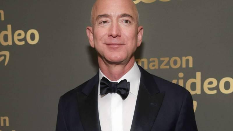Jeff Bezos, el primer hombre en alcanzar una fortuna de 200 000 millones de dólares - jeff-bezos-200-billion-amazon-covid-coronavirus-messi-ronaldo-hurricane-katrina-1