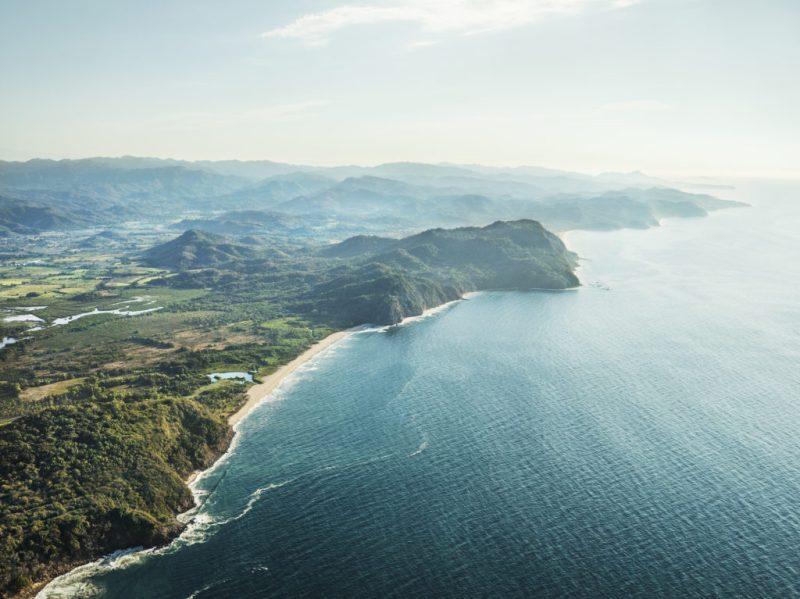 One&Only Mandarina, un santuario de lujo que abre sus puertas en la Riviera Nayarit - oo_mm_hero-drone-image