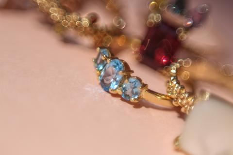 LORRNA: la conexión entre las joyas y las personas - lorrna-2
