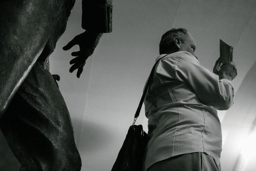 Descubre momentos mágicos y fechorías callejeras de Querétaro y Guadalajara capturados por Hector Muñoz a bordo de Lincoln