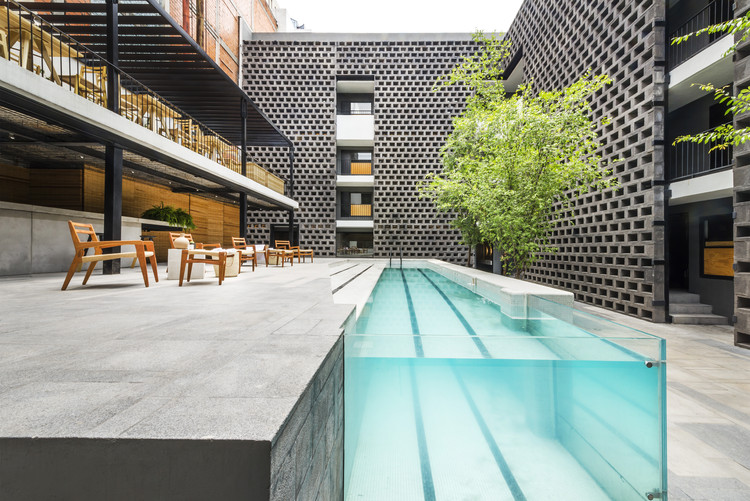 Hoteles boutique en la CDMX que no desfalcarán tu cartera - hotel-carlota-extraordinarios-hoteles-boutique-en-la-cdmx-que-no-desfalcaran-tu-cartera