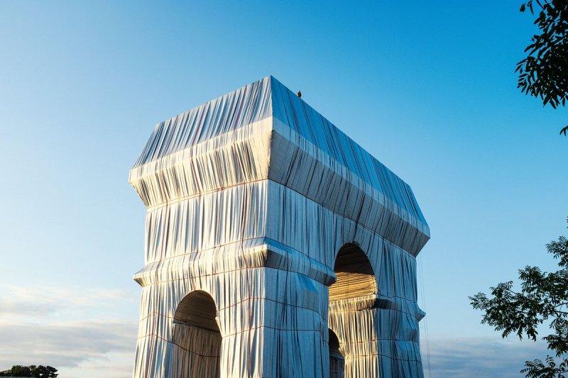 El sueño de Christo: envuelven por completo el Arco del Triunfo en París - e-b9v00wqaunyc4
