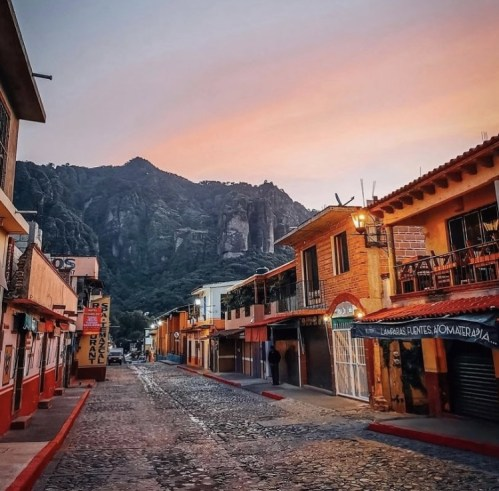 Top 6: pueblos mágicos que deberás conocer este 15 de septiembre - tepoztlan-pueblos-magicos