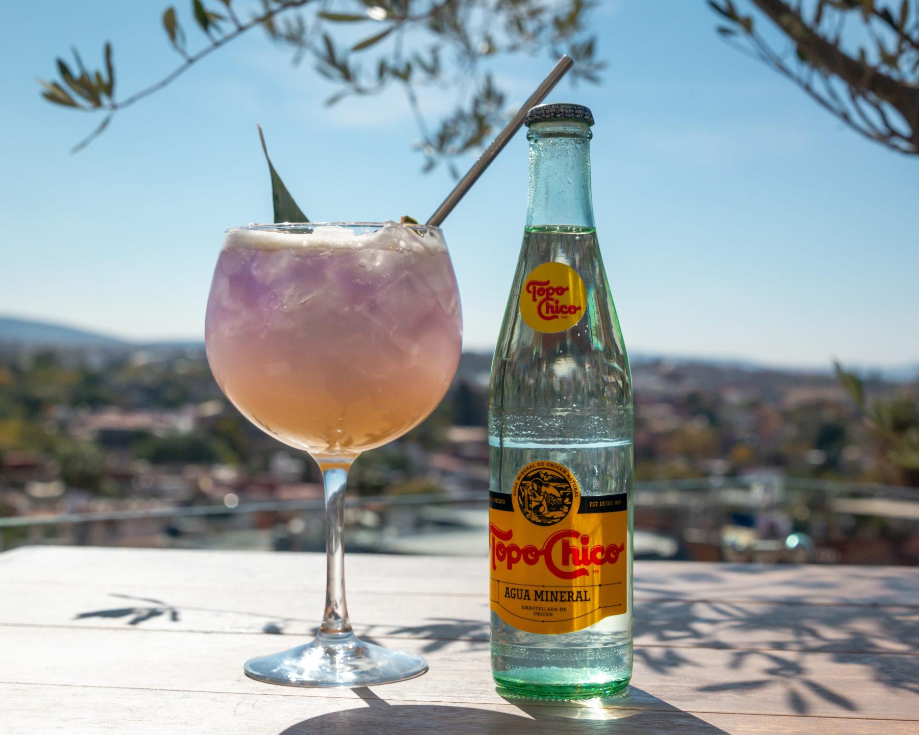 Tres recetas de coctelería con Topo Chico, agua mineral