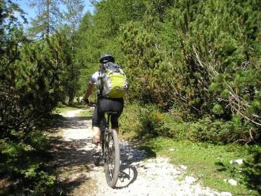 mountain-bike-175217_1920