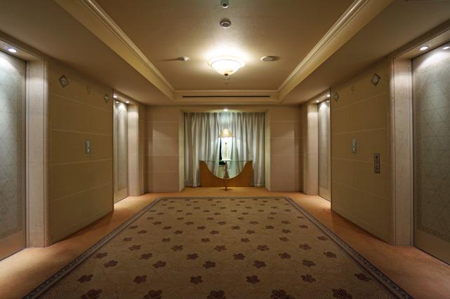 オークラ福岡_エレベーターホール