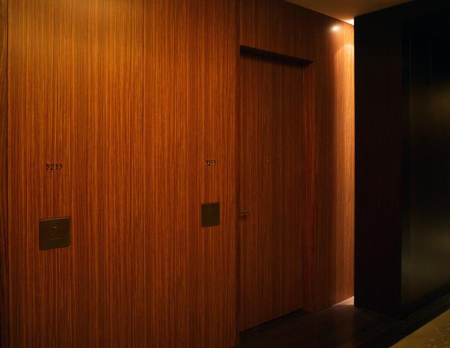 コンラッド東京_客室ドア
