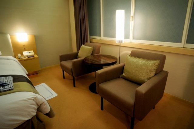 ホテルオークラ東京_アームチェア