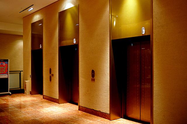 沖縄ハーバービュー_エレベーターホール