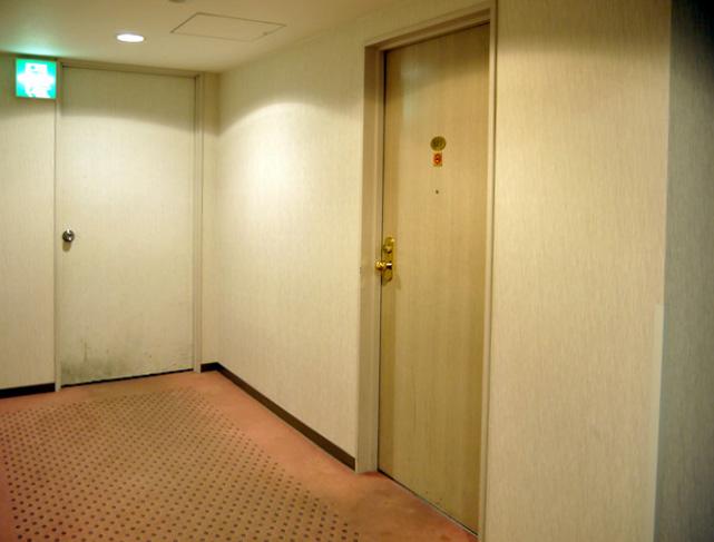 上田東急イン_客室ドア