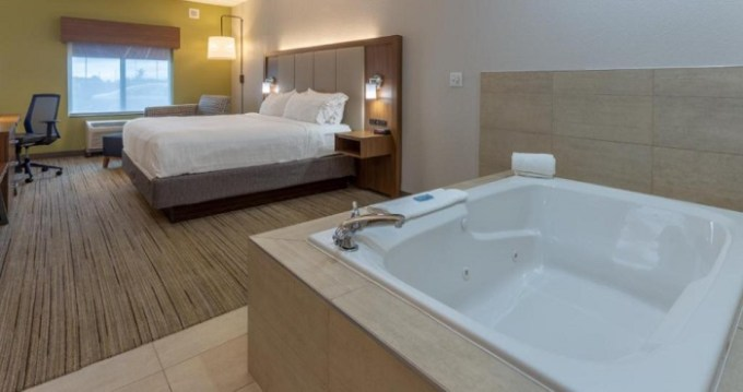 Hot Tub suite in Holiday Inn Express - Indianapolis - Southeast, Indiana