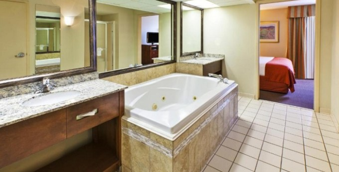 Whirlpool suite in AmericInn by Wyndham Fishers Indianapolis Hotel, Indiana