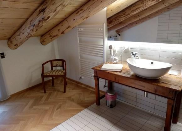 bagno camera mansarda hotel dal menga