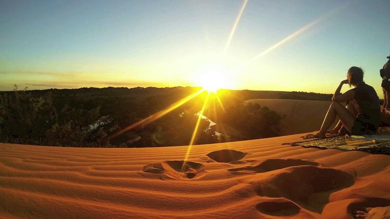 imagem-de-turistas-no-deserto-de-jalapão