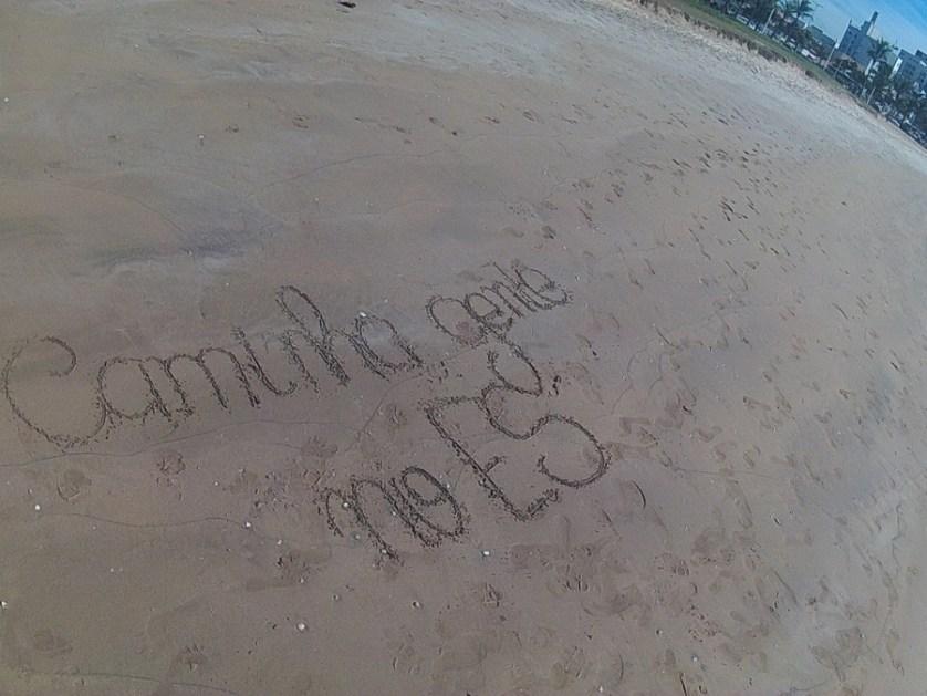 imagem-da-praia-da-costa-com-inscricao-na-areia