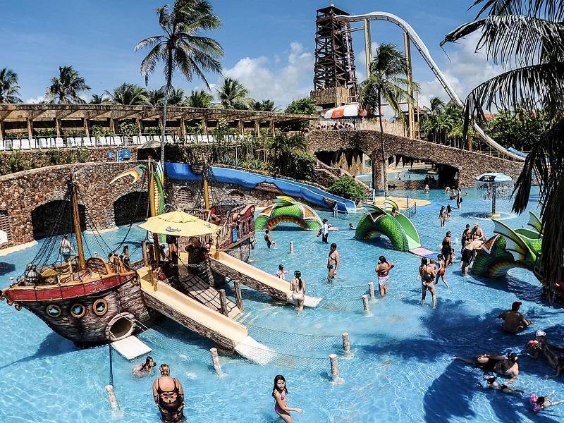 imagem-de-piscina-ilha-do-tesouro