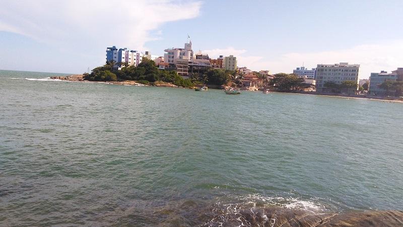 imagem-de-praia-costa-azul-em-iriri