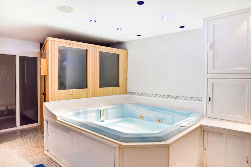 sauna y spa en el hotel el corzo