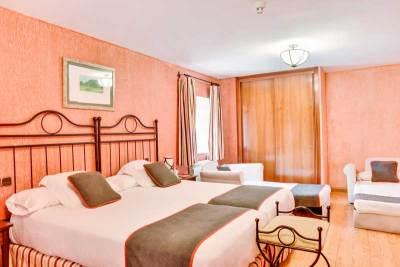 Habitación Triple del Hotel el Corzo