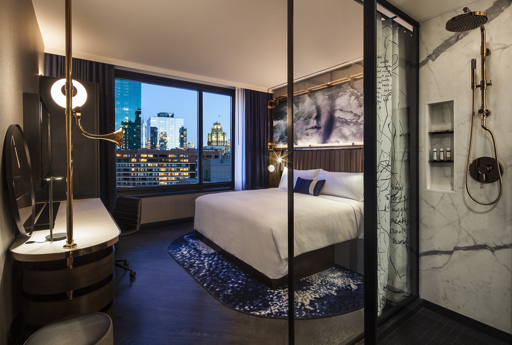 Downtown Chicago Hotel | Hotel EMC2, Autograph Collection